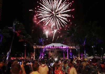 Luau and Concert on Waikiki with a Bang